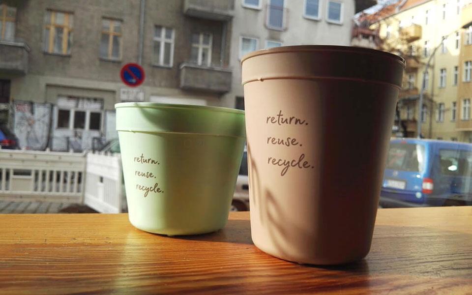 Besser bechern in Neukölln: Nachhaltige Recup-Starterkits für Cafés im Kiez